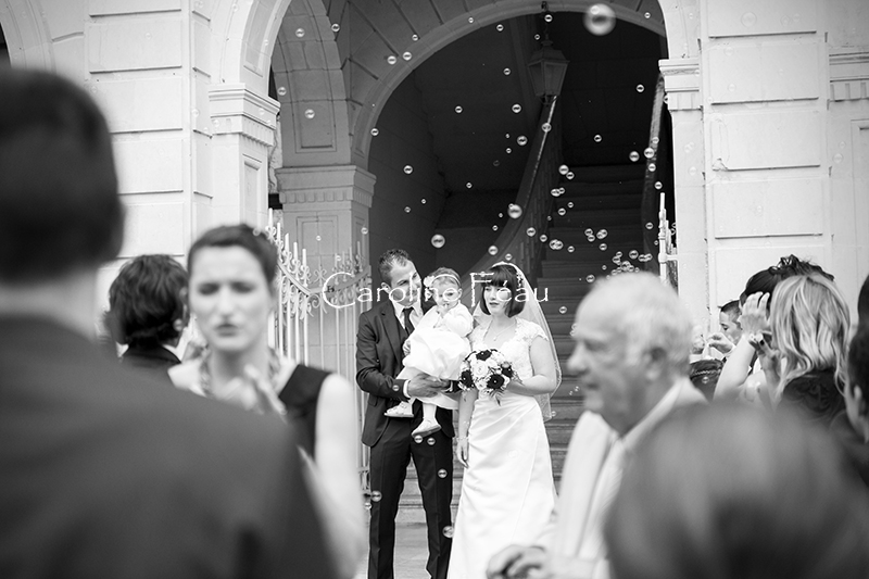 photographe mariage 37 sortie mairie CF Photographe