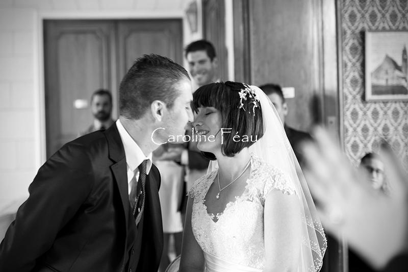 photographe mariage touraine mairie bisou CF Photographe