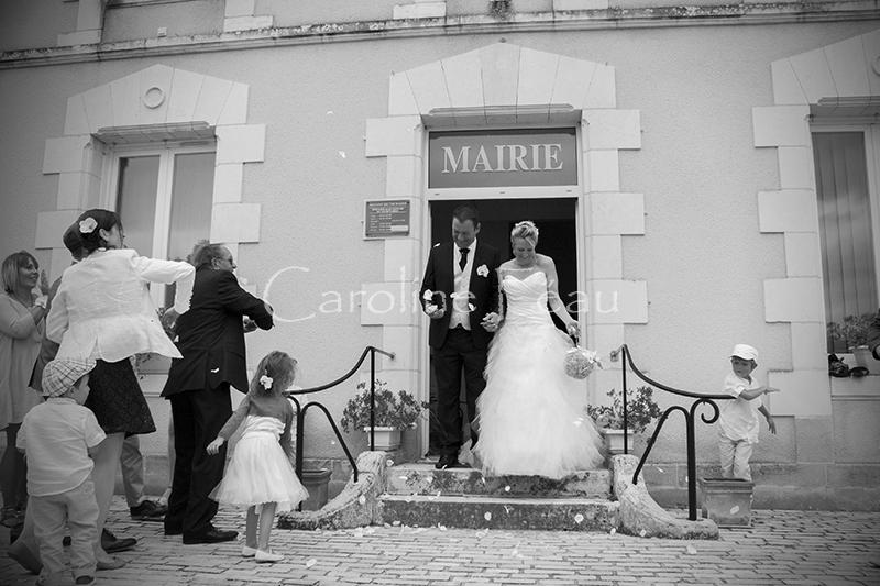 photographe mariage touraine sortie mairie CF Photographe