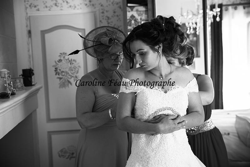 habillage de la mariée CF Photographe