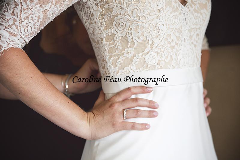 habillage de la mariée Fontevraud CF Photographe