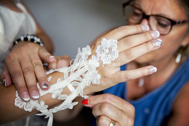 photographe mariage indre et loire gant mariée CF Photographe