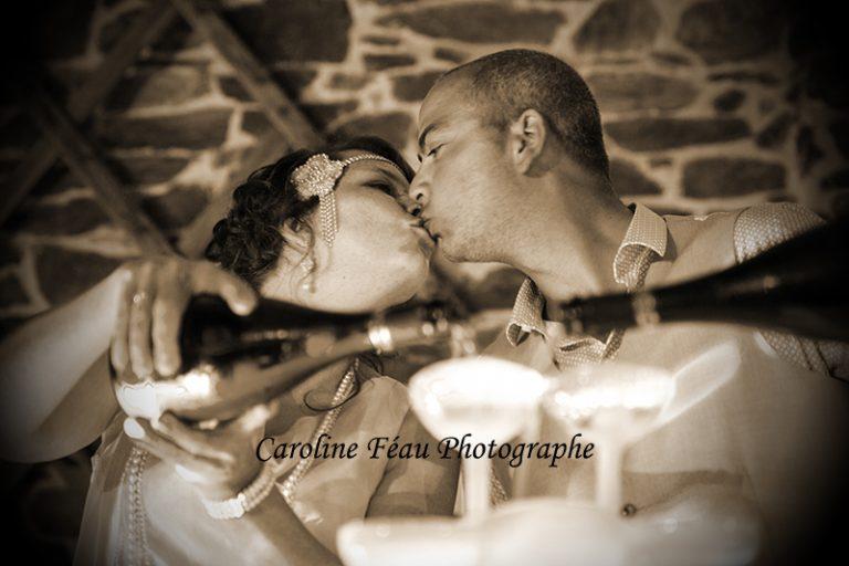 Le baiser champagne fontaine soirée de mariage Angers Tours CF Photographe
