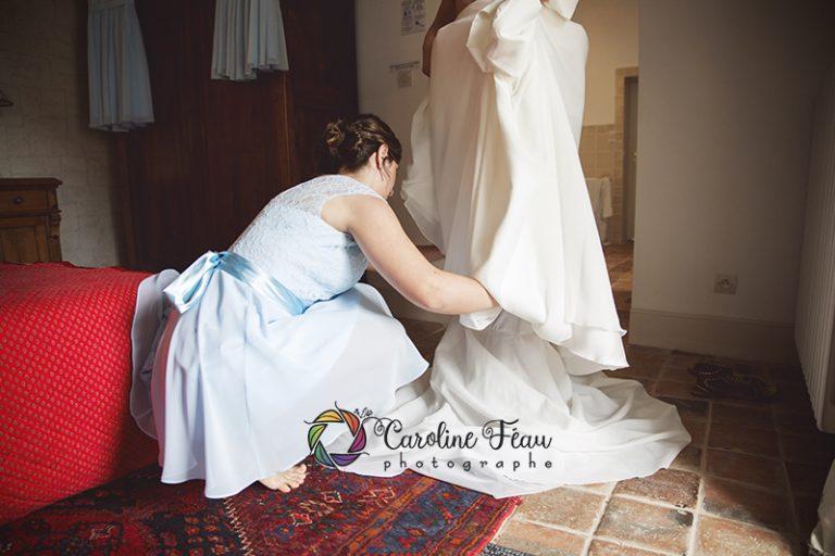habillage de la mariée robe de mariée Loches 37 CF Photographe