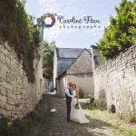 photos des mariés dans les rues de Candes Saint Martin 37 CF Photographe