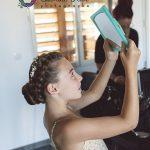 préparatifs coiffure demoiselle d'honneur CF Photographe