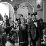 entrée du marié et sa maman dans l'église d'Huismes 37 CF Photographe