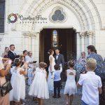 sortie des mariés église confettis Huismes 37 CF Photographe